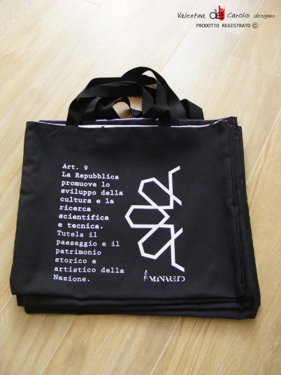 Shopping bag La Costituzione by Valentina De Carolis
